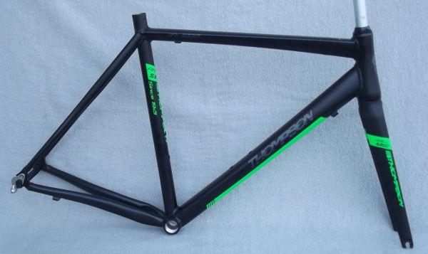 Thompson R 8300 Rennrad Rahmen Set mit Carbonbabel und Steuersatz